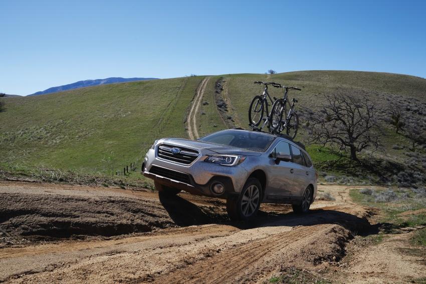 2018 Subaru Outback facelift gets Legacy's upgrades Image #641869