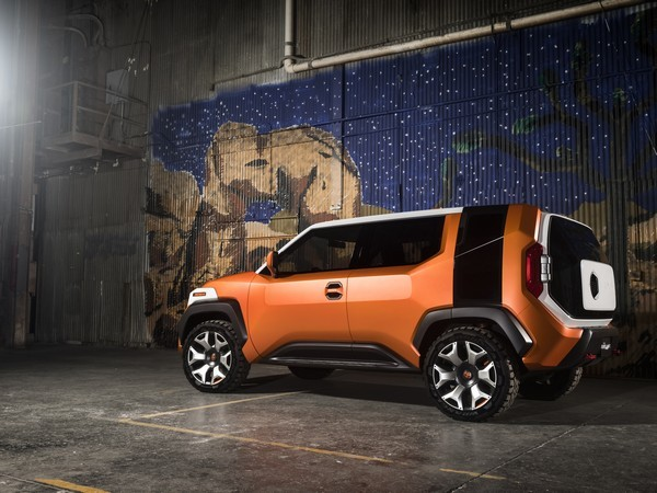 Toyota FT-4X concept revealed early before NY debut Image #643693