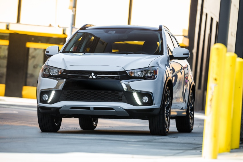 Mitsubishi ASX gets yet another facelift, debuts in NY Image #641705