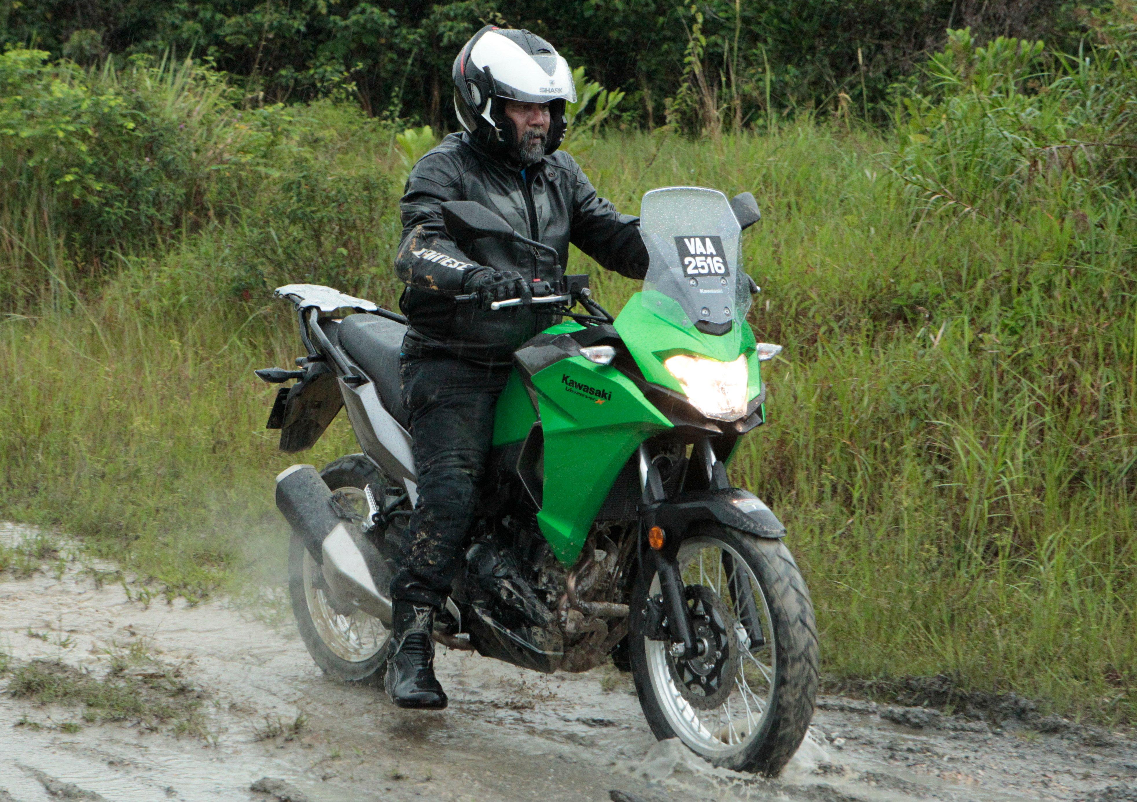 Kawasaki Dual Sport >> Ride impression: 2017 Kawasaki Versys X-250 – dual-purpose touring comes down to the quarter ...