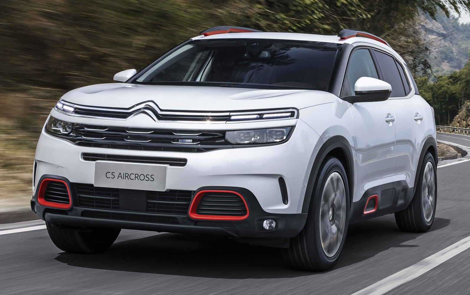 citroen c5 aircross new suv debuts in shanghai. Black Bedroom Furniture Sets. Home Design Ideas