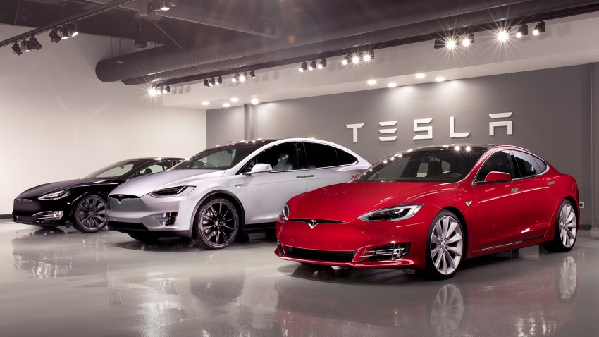 Tesla more than doubles revenue, but losses increase Image #654455