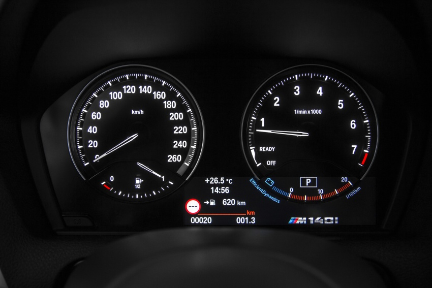 F20 BMW 1 Series gets updated interior, revised kit Image #657823