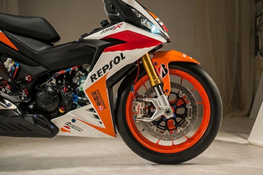 Honda RS150R diubahsuai guna barang superbike Image #657085