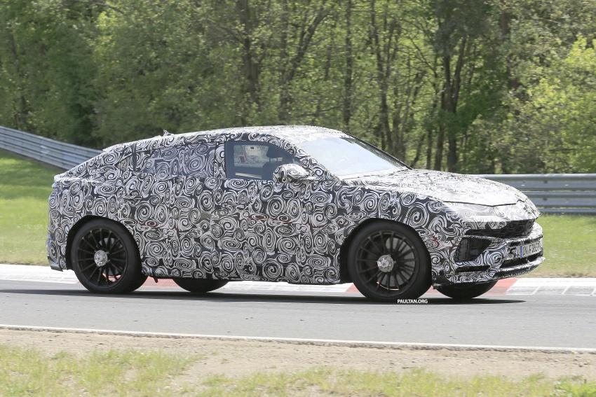 SPIED: Lamborghini Urus heads to the Nurburgring Image #663346