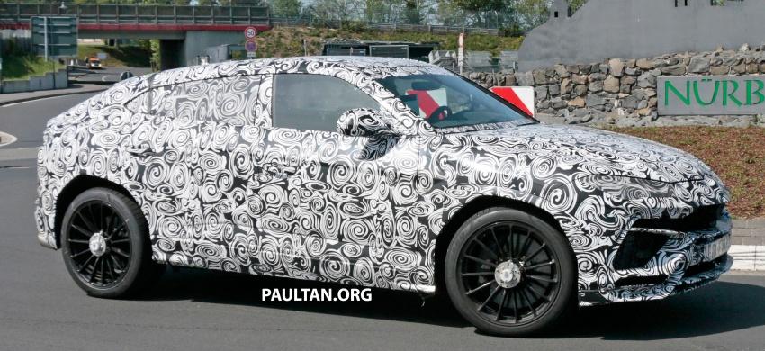 SPIED: Lamborghini Urus heads to the Nurburgring Image #661438
