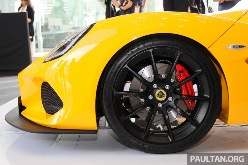 Lotus 3-Eleven secara rasmi diperkenalkan di Malaysia Image #653925