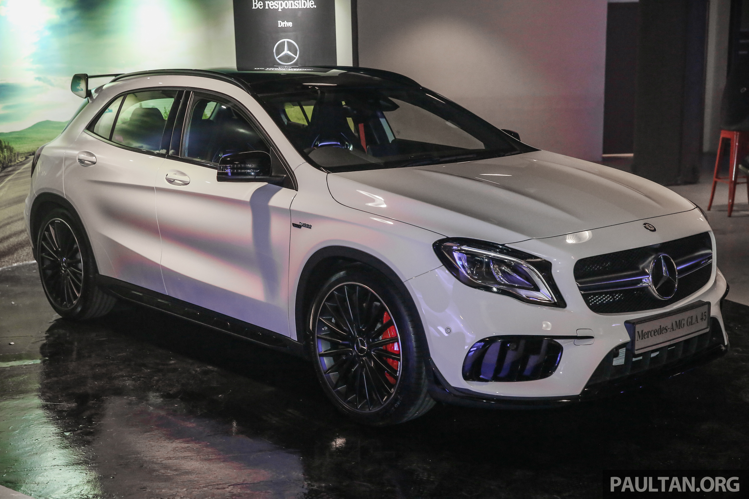 mercedes amg gla45 4matic facelift makes its malaysian debut 375 hp and 475 nm rm408 888. Black Bedroom Furniture Sets. Home Design Ideas