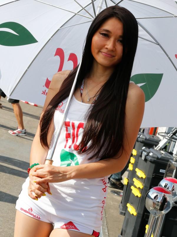 MotoGP to remove paddock girls from the racing grid? Paul Tan - Image 658782