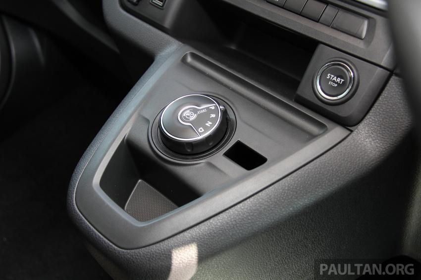 GALERI: Peugeot Traveller tampil di pusat pameran – model Standard enjin 2.0L diesel, lapan tempat duduk Image #663725