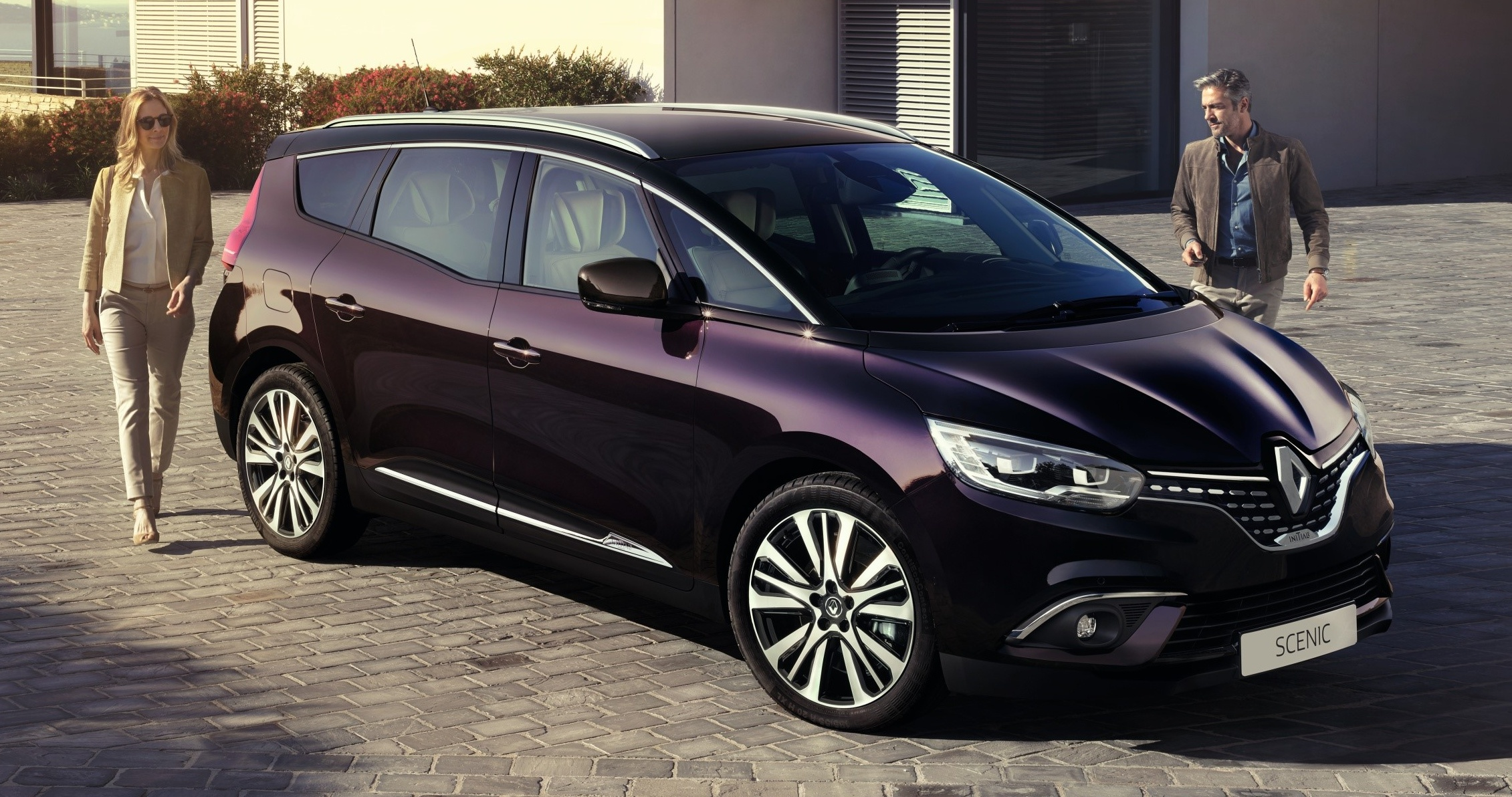 renault scenic family receive initiale paris versions. Black Bedroom Furniture Sets. Home Design Ideas