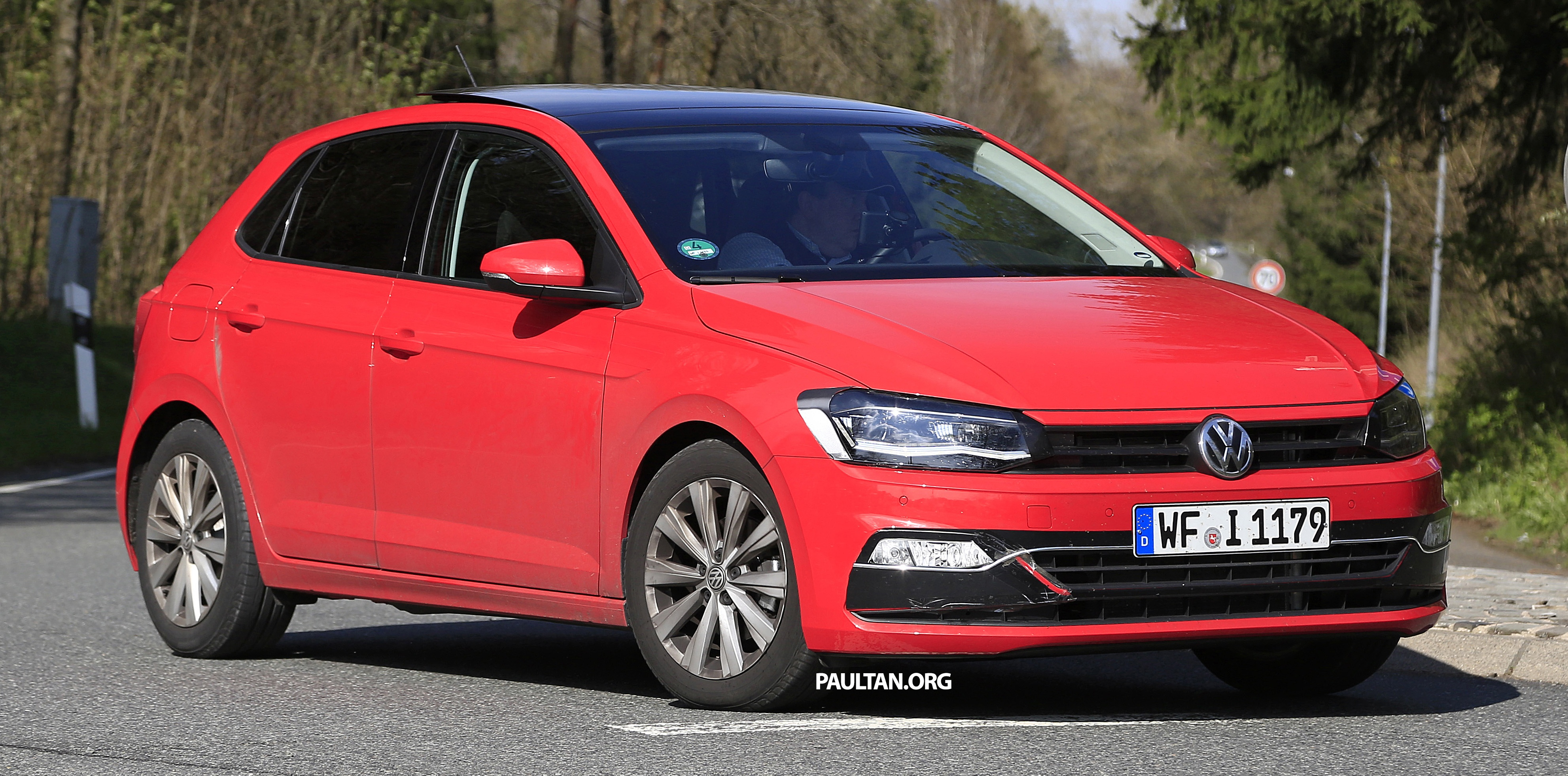 spyshots 2017 volkswagen polo undisguised. Black Bedroom Furniture Sets. Home Design Ideas