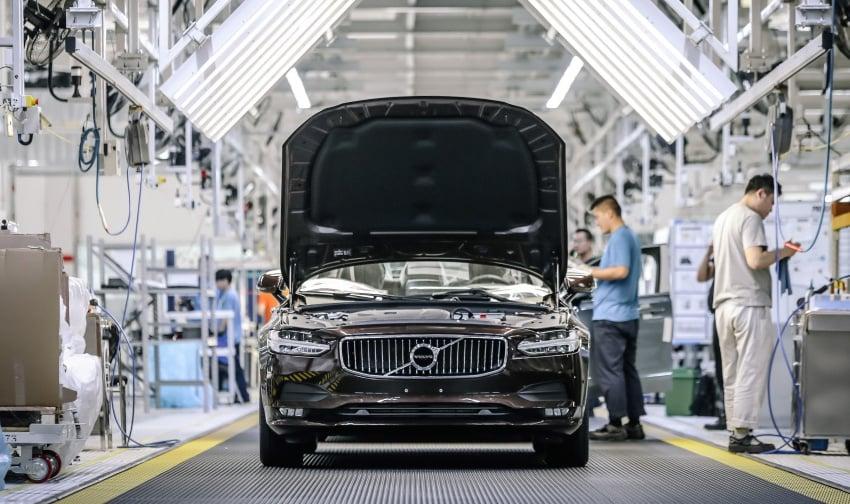 Volvo begins China-built S90 export to Europe via rail Image #666704