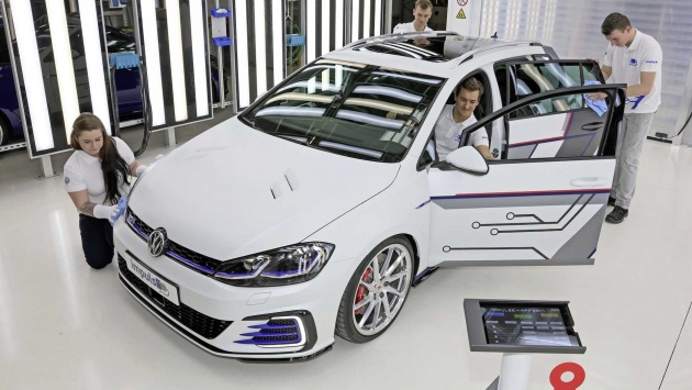 This Time Around Volkswagen Has Brought Out Not One But Two Concepts The Second Here Is Golf Gte Estate Impluse From Zwickau