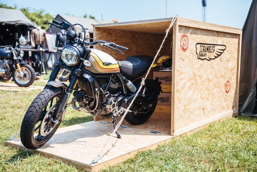 2017 Scrambler Ducati Mach 2.0 and Full Throttle unveiled at Wheels and Waves show in Biarritz Image #674193