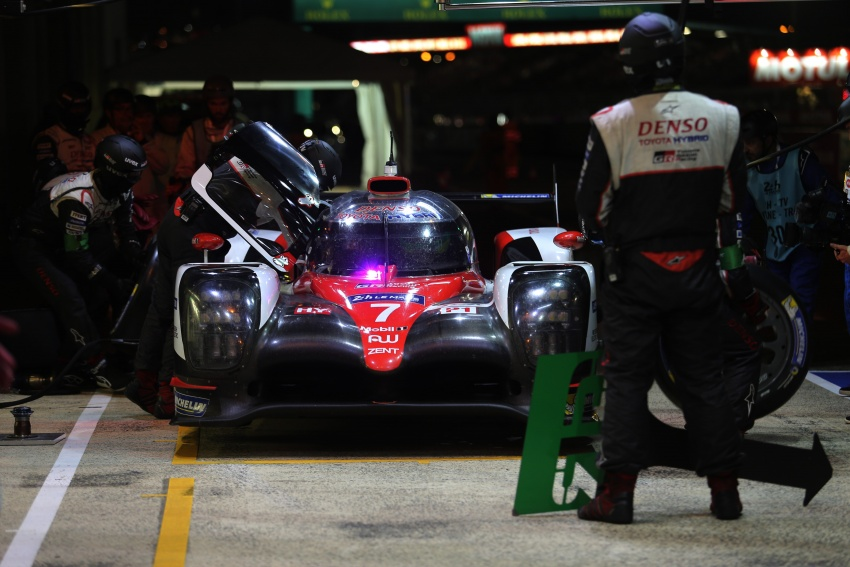 Fake marshal signal causes Toyota #7 Le Mans loss? Image #674674
