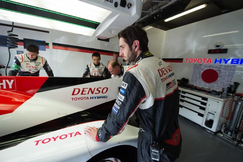 Fake marshal signal causes Toyota #7 Le Mans loss? Image #674676