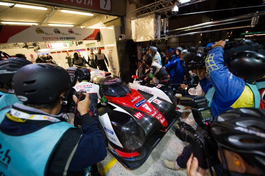Fake marshal signal causes Toyota #7 Le Mans loss? Image #674677