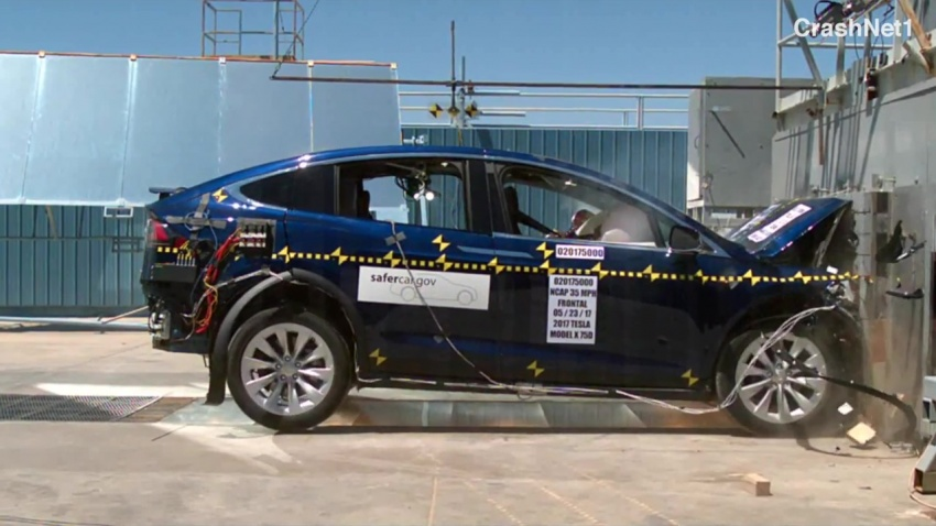 Tesla Model X scores five-star NHTSA safety rating Image #672437