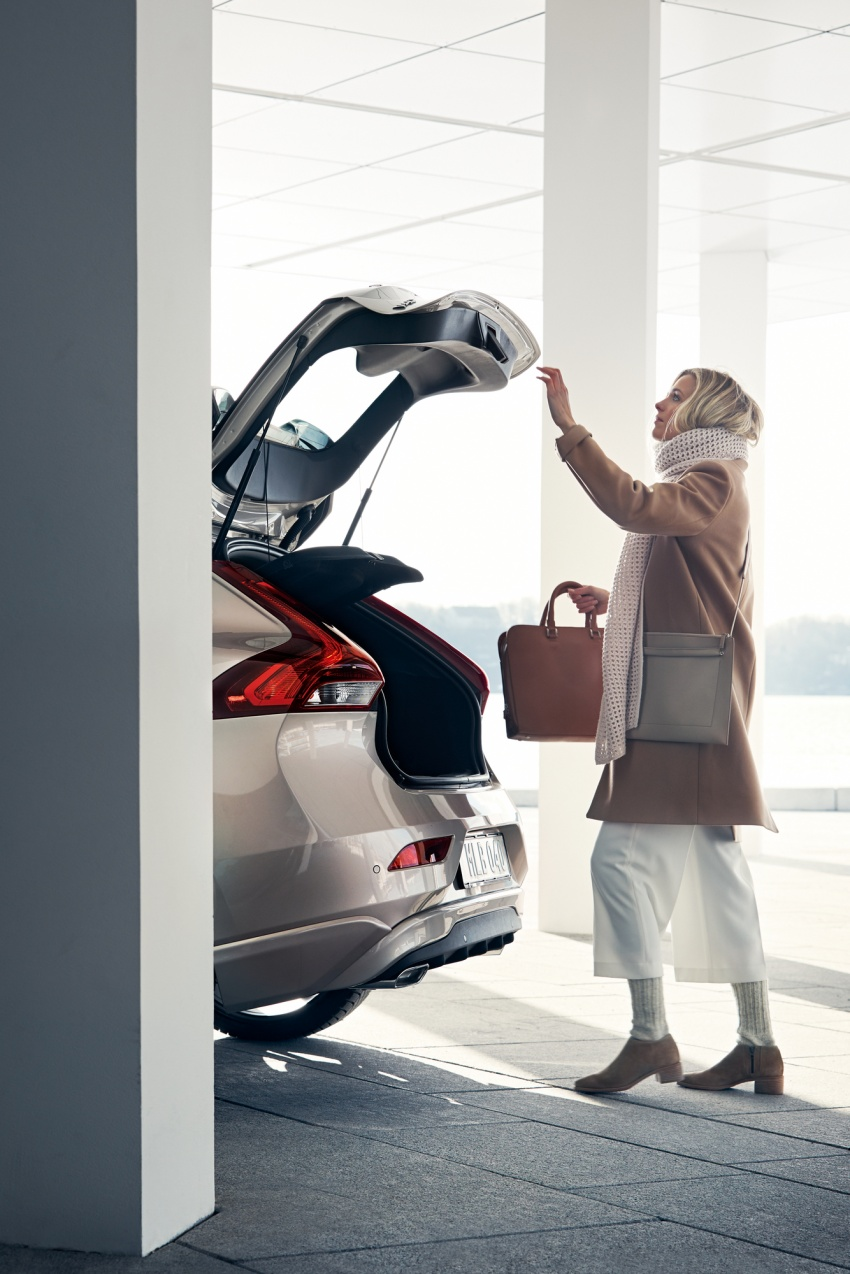 Volvo V40 facelift launched in Malaysia – T5 Inscription priced at RM180,888; T4 to be introduced at later date Image #674365