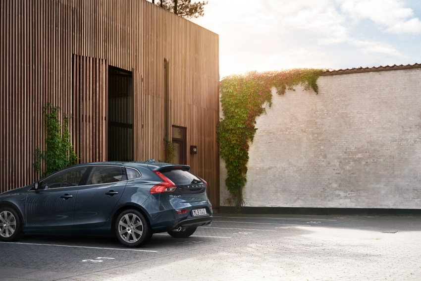 Volvo V40 facelift launched in Malaysia – T5 Inscription priced at RM180,888; T4 to be introduced at later date Image #674368