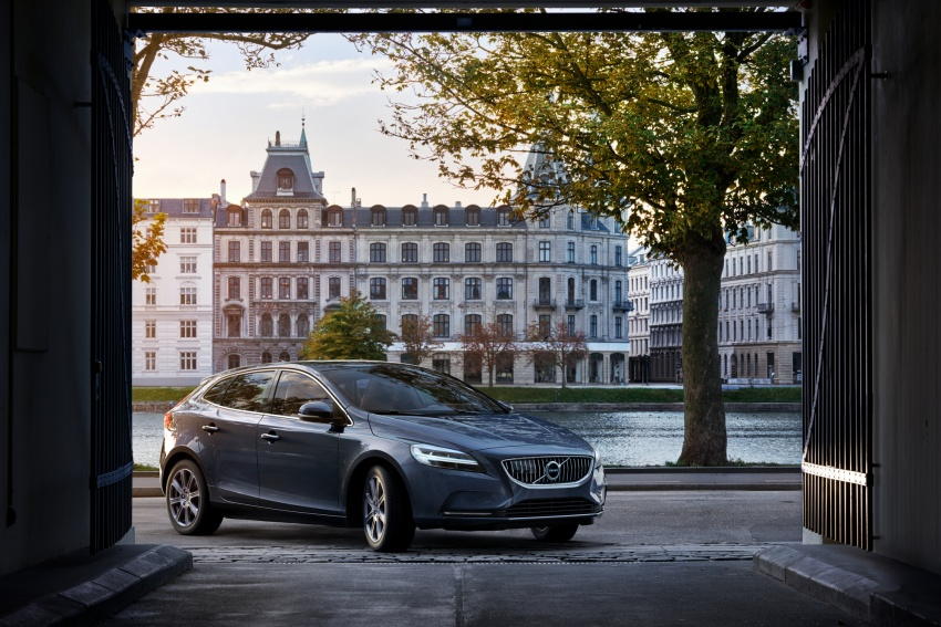 Volvo V40 facelift launched in Malaysia – T5 Inscription priced at RM180,888; T4 to be introduced at later date Image #674388