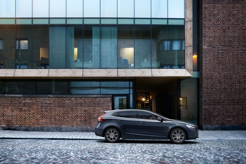 Volvo V40 facelift launched in Malaysia – T5 Inscription priced at RM180,888; T4 to be introduced at later date Image #674392