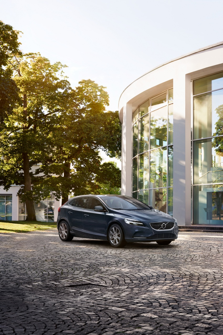 Volvo V40 facelift launched in Malaysia – T5 Inscription priced at RM180,888; T4 to be introduced at later date Image #674394