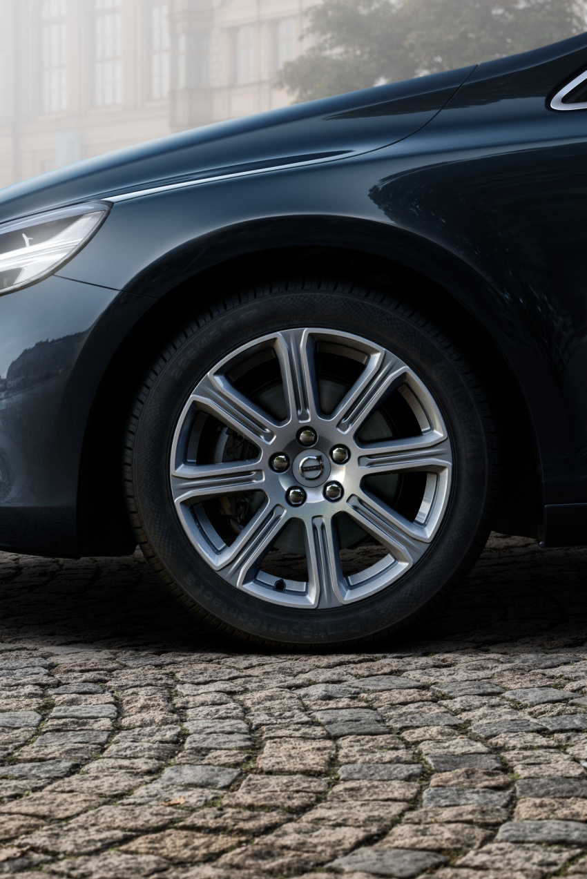 Volvo V40 facelift launched in Malaysia – T5 Inscription priced at RM180,888; T4 to be introduced at later date Image #674406