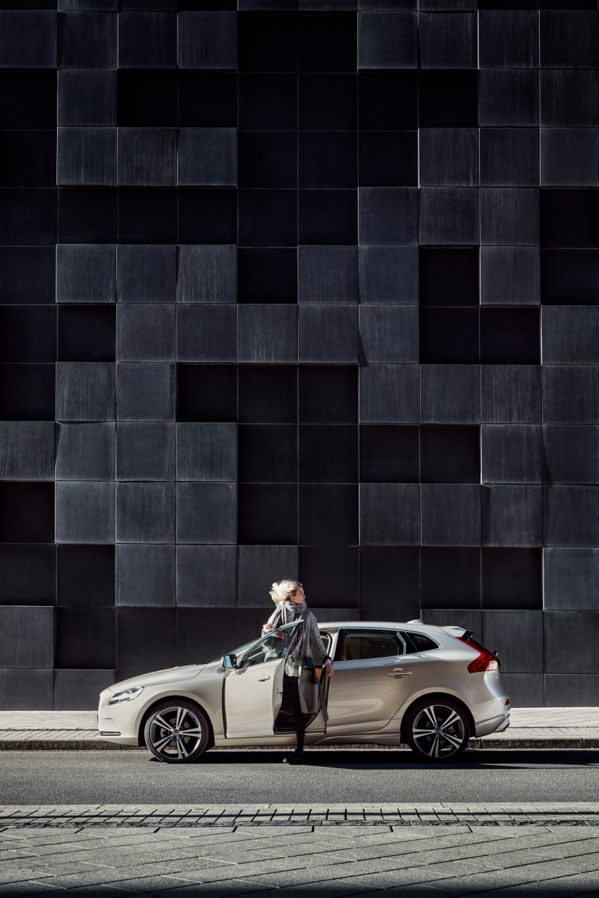 Volvo V40 facelift launched in Malaysia – T5 Inscription priced at RM180,888; T4 to be introduced at later date Image #674358
