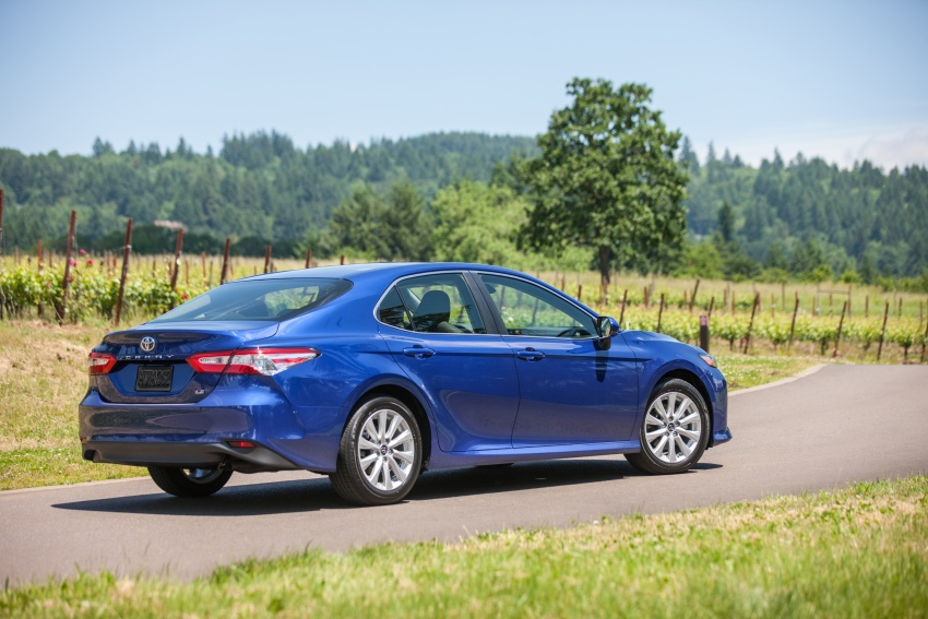 2018 Toyota Camry detailed ahead of US sales launch Image #675774