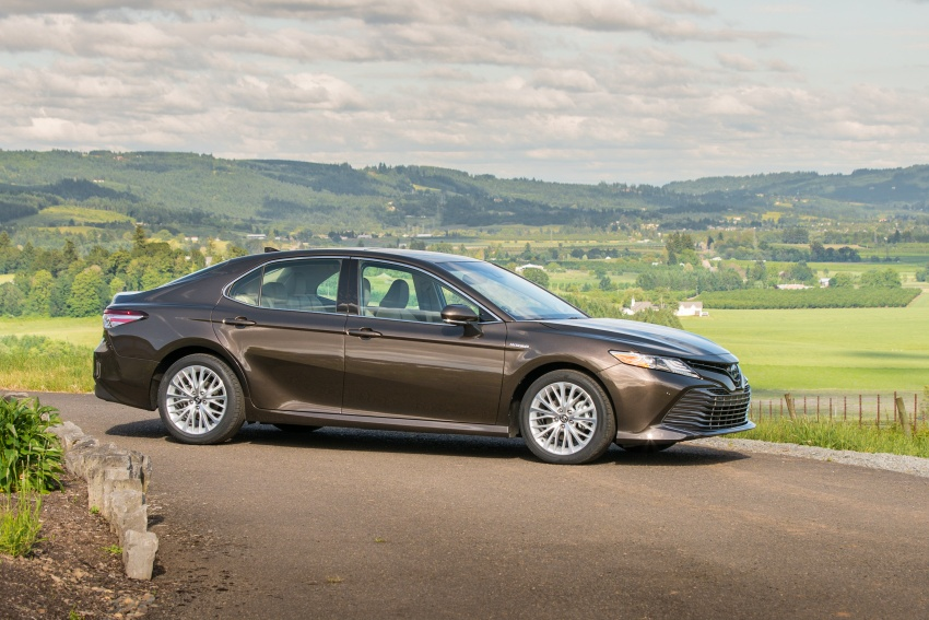 2018 Toyota Camry detailed ahead of US sales launch Image #675732