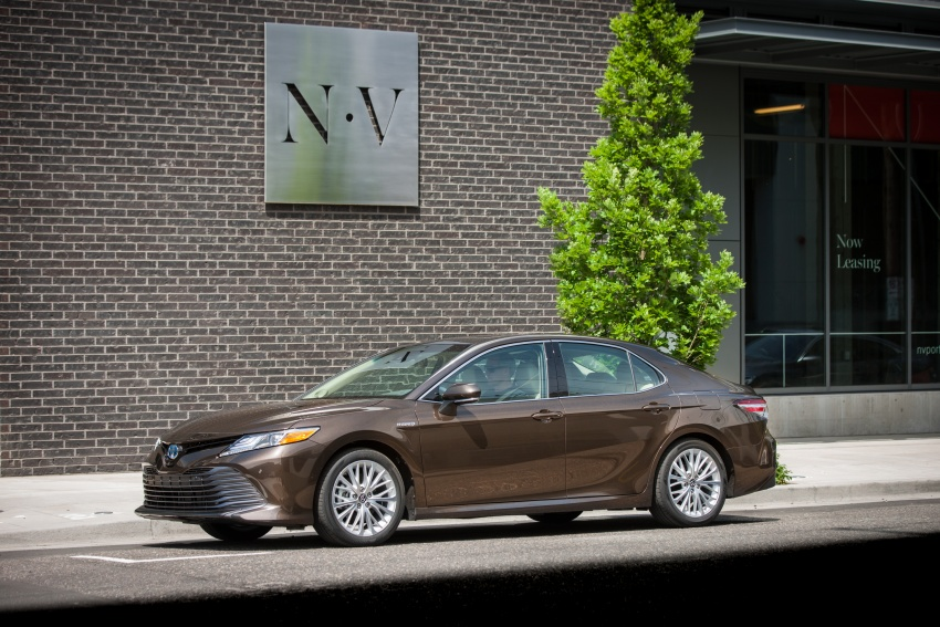 2018 Toyota Camry detailed ahead of US sales launch Image #675716