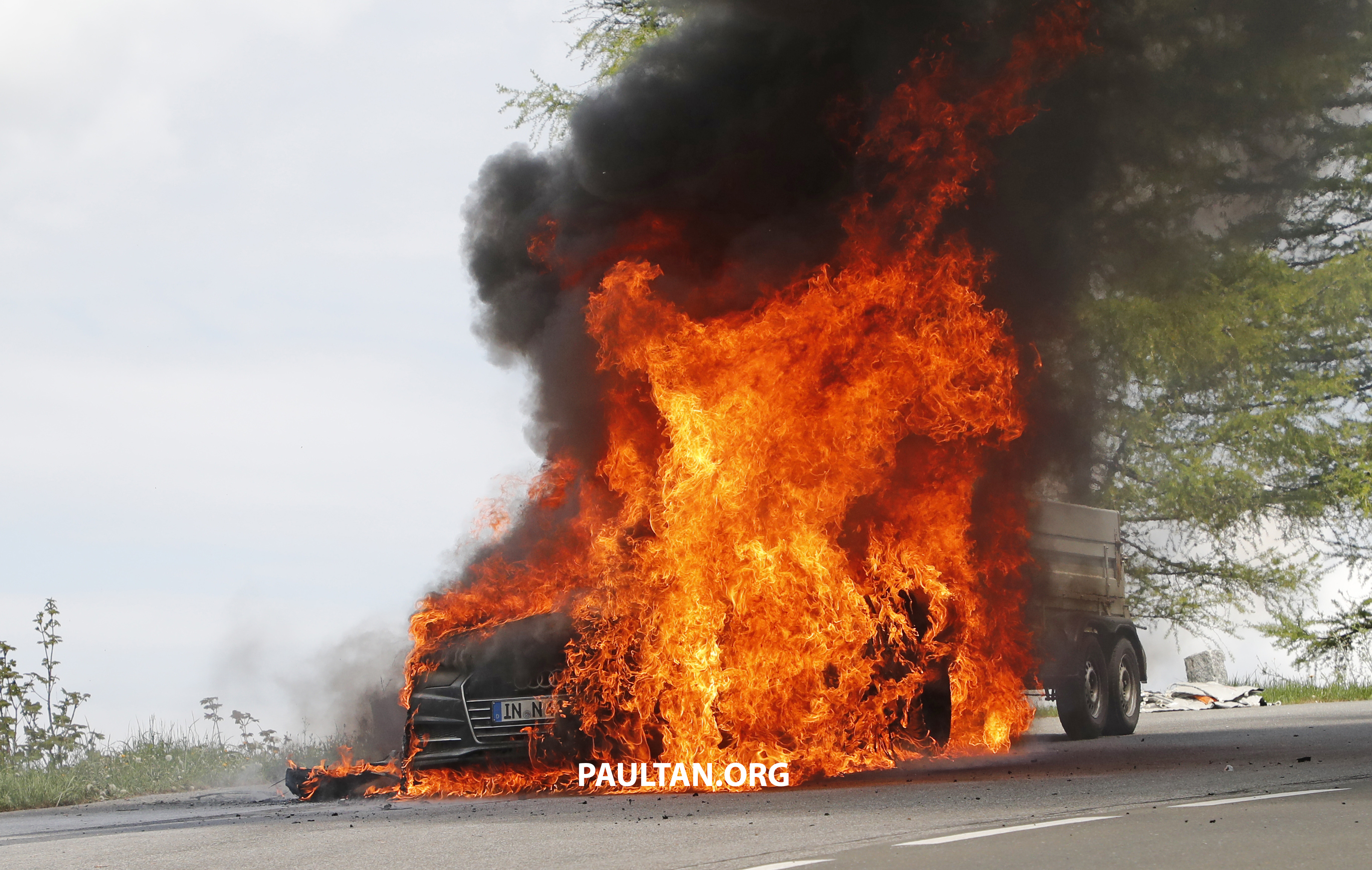 Spied 2019 Audi A7 Test Mule Goes Up In Flames Paul Tan
