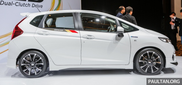 2018 honda jazz 1 5. exellent honda in contrast the 15l petrol jazz is powered by a sohc ivtec engine with  120 ps at 6600 rpm and 145 nm 4600 rpm the hybridu0027s electric motor provides  inside 2018 honda jazz 1 5