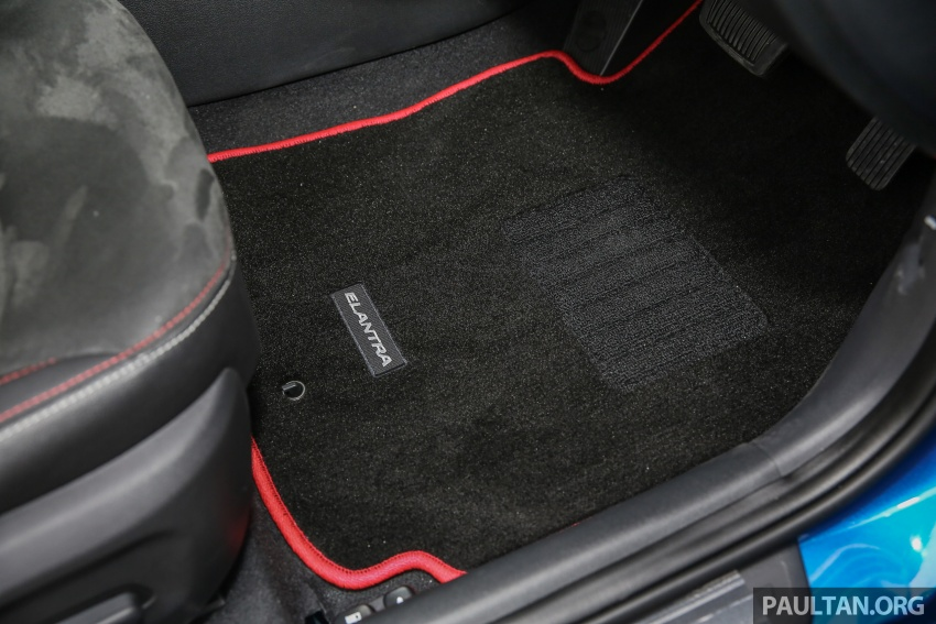 GALLERY: Hyundai Elantra 2.0 Executive, RM116,388 Image #675217