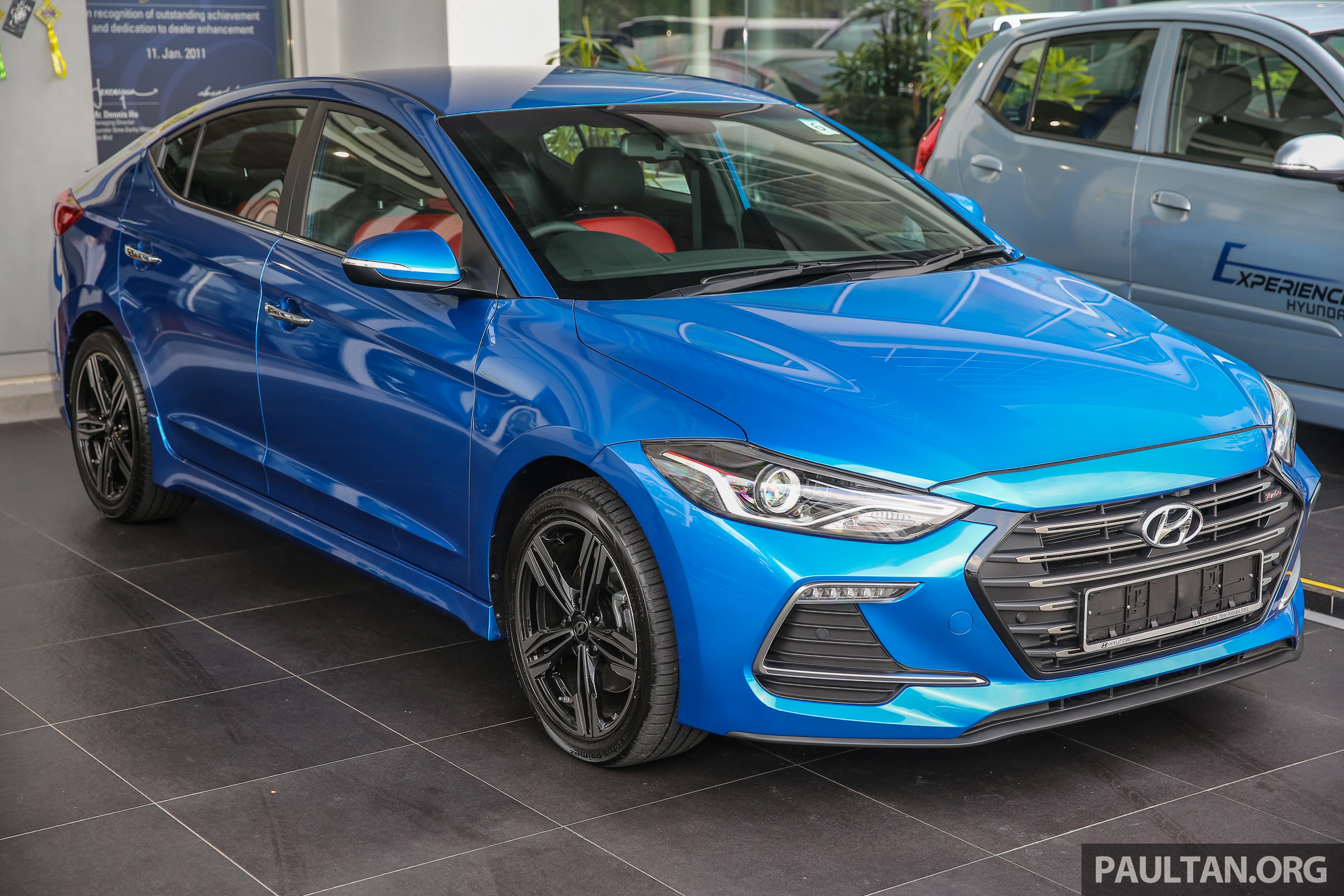2017 hyundai elantra ad launched in malaysia 1 6 turbo 2 0 na three variants from rm116k. Black Bedroom Furniture Sets. Home Design Ideas