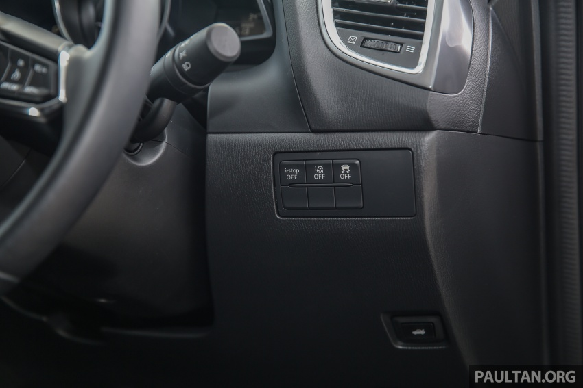 ULASAN VIDEO: Mazda 3 facelift 2017 dengan GVC Image #671441