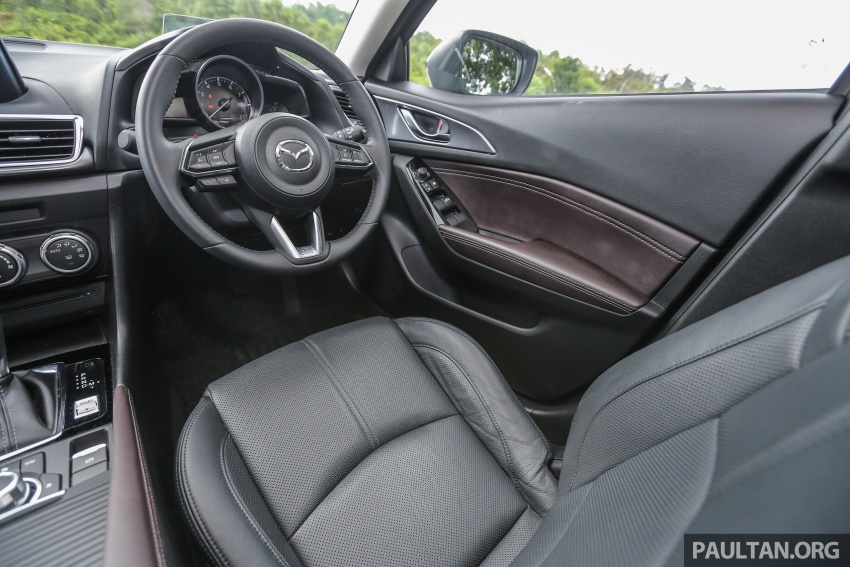 ULASAN VIDEO: Mazda 3 facelift 2017 dengan GVC Image #671437
