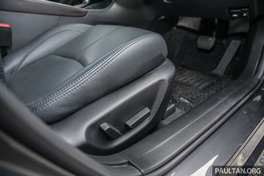 ULASAN VIDEO: Mazda 3 facelift 2017 dengan GVC Image #671425