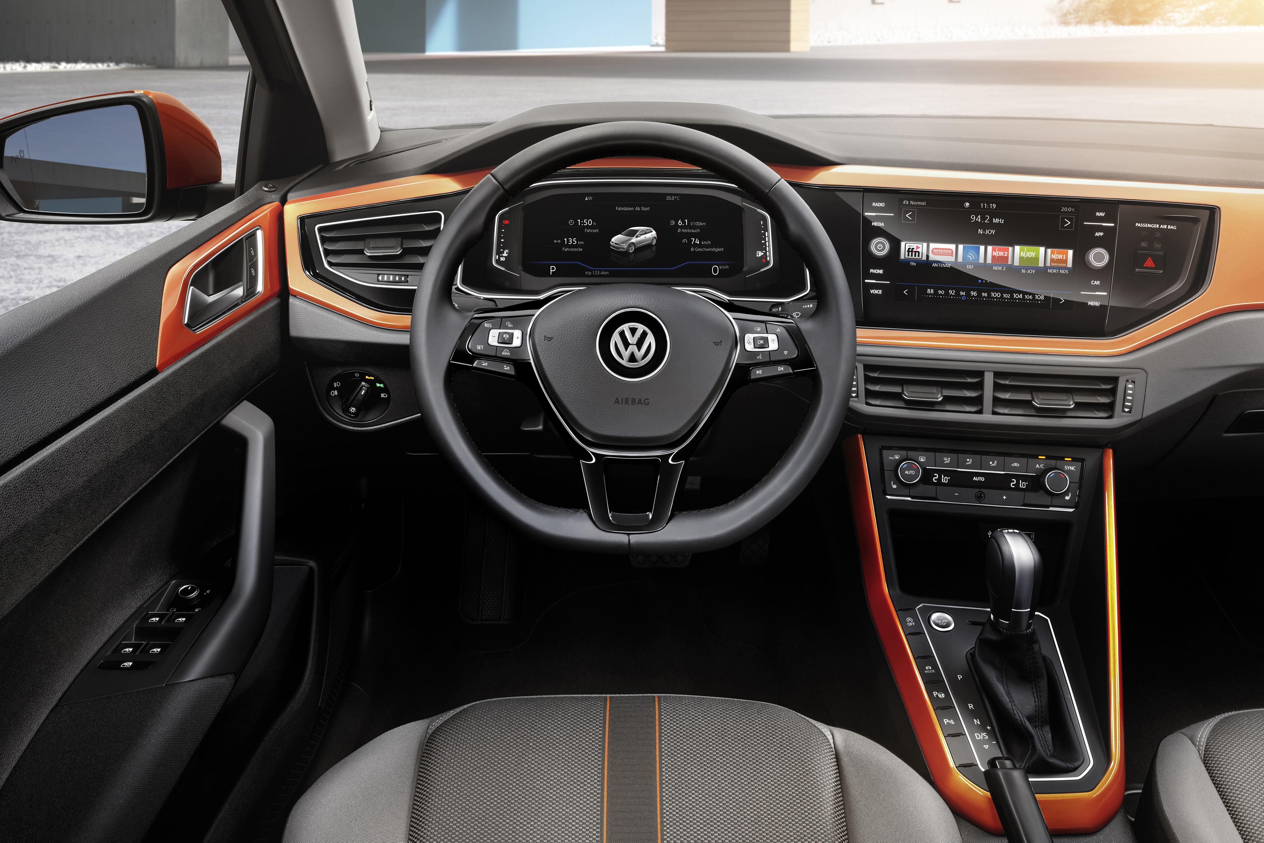 2018 volkswagen polo mk6 gets mqb platform new active for Interieur polo