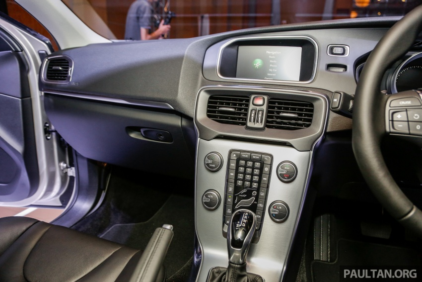 Volvo V40 facelift launched in Malaysia – T5 Inscription priced at RM180,888; T4 to be introduced at later date Image #674497