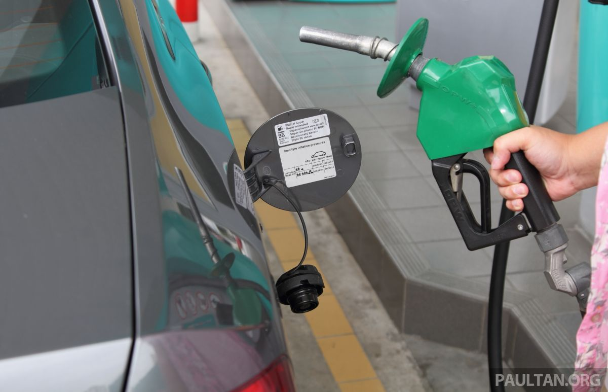 RON 97 petrol price up 14 sen for Oct 2018 – RM2 79