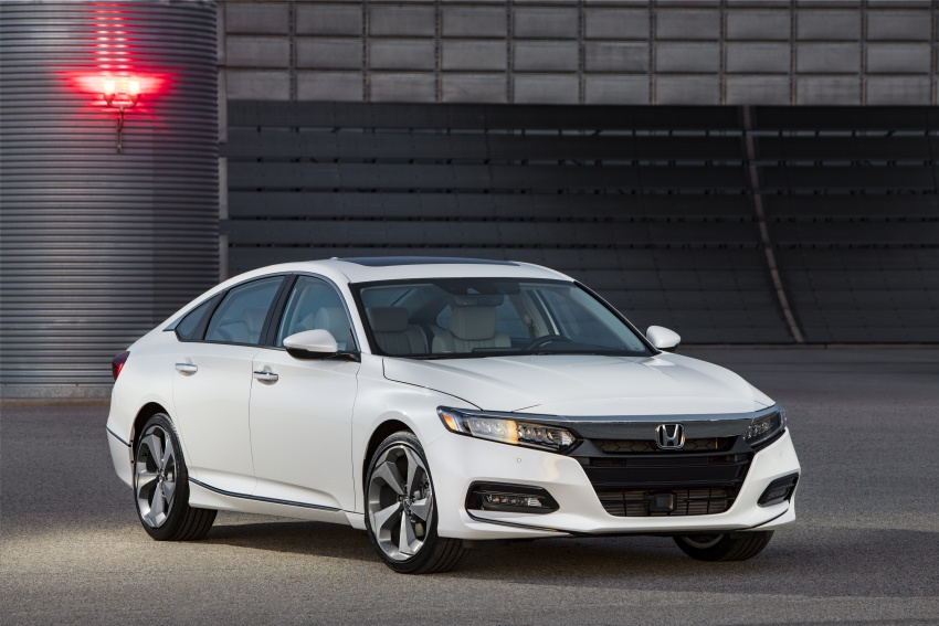 2018 Honda Accord unveiled – 192 hp 1.5 and 252 hp 2.0 turbo, 10-speed auto, standard Honda Sensing Image #683537