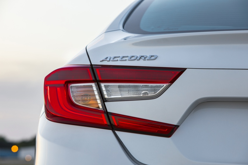 Honda Accord 2018 didedahkan – 1.5 VTEC Turbo dan 2.0 VTEC Turbo bersama transmisi auto 10-kelajuan Image #683775