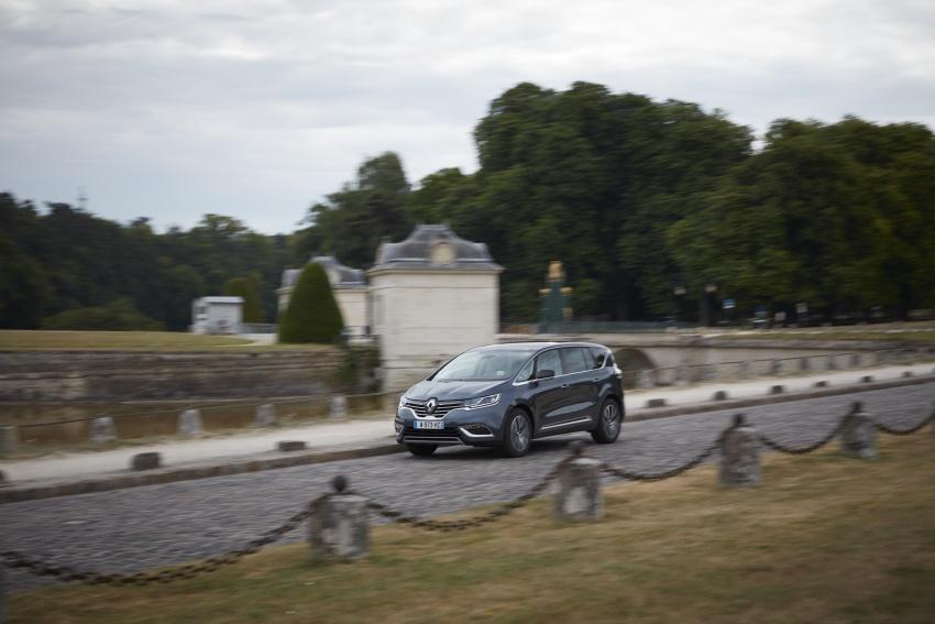 2017 Renault Espace revealed with new engine, kit Image #679153