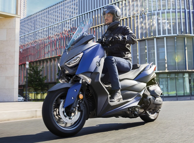 2018 suzuki 400. beautiful 400 while we wait to get our hands on the yamaha nvx scooter for review  has released 2018 xmax 400 maxiscooter in europe which  intended suzuki