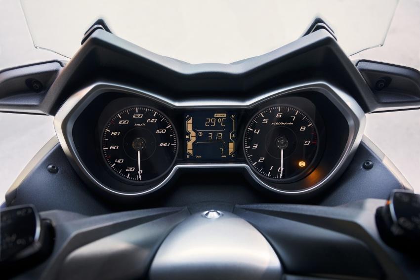 2018 Yamaha X-Max 400 Euro release – 395 cc, 32 hp Image #691189