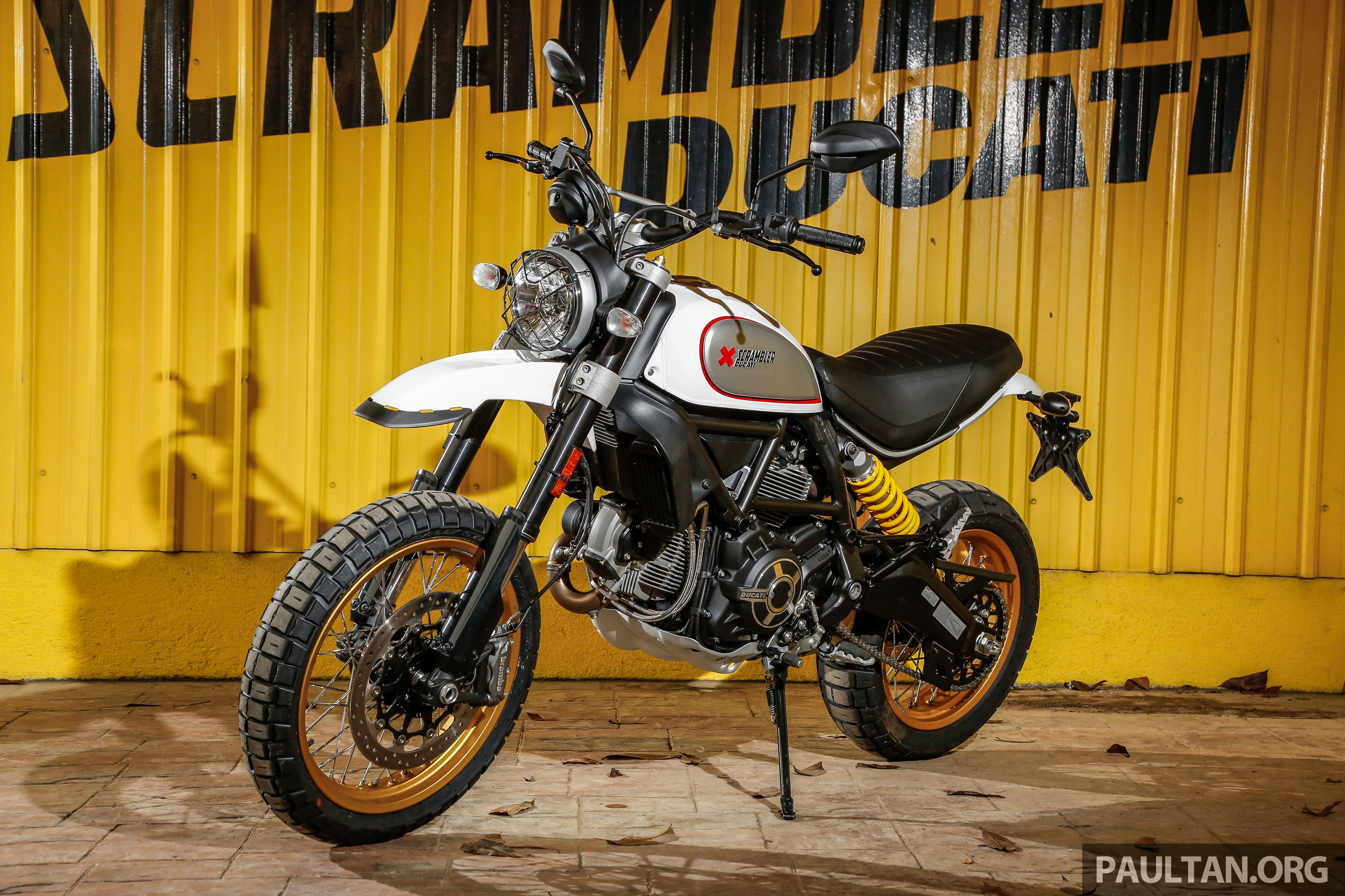 2017 ducati scrambler desert sled cafe racer rm69k. Black Bedroom Furniture Sets. Home Design Ideas