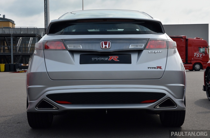 GALLERY: Honda Civic Type R – FWD King of the Ring meets past hatchback masters EP3, FN2 and FK2 Image #678829